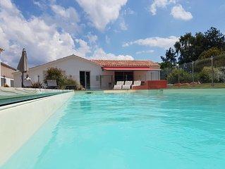 Proche Plage Maison de Famille 12 personnes avec piscine chauffée
