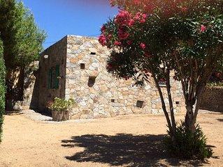 Maison en pierres - proche des plages de Bodri- vue mer