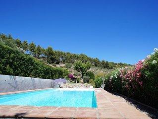 Jolie maison provençale entre vignes et oliviers - le calme à la Côte d'Azur
