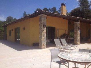 Villa au calme, piscine à débordement, dans les collines du Var(83), Provence