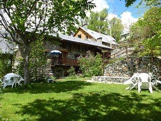 le bourg d'Oisans à15mn dès 350€/S  proche Alpe d'Huez jardin150m² vue vallée.