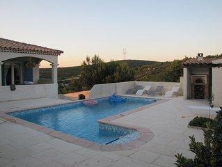 Magnifique Maison Standing climatisée à proximité des calanques / piscine chauff