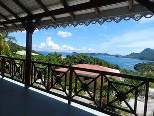 Residence creole de standing classee 4 etoiles avec vue a 180° sur la baie