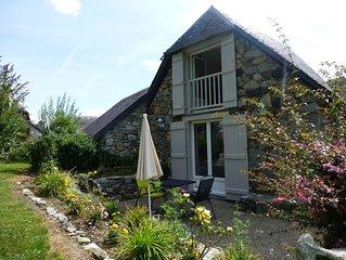 Charmante maison en pierre avec cheminee, ideal pour coocooner