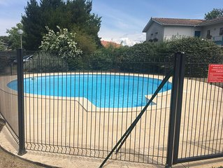 Appartement rdc jardin, 4 personnes,piscine,la Teste de Buch, proche commerces