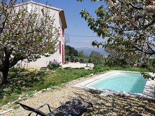 Le petit Mas pour 2/3 personnes, charmant Cabanon provençal et piscine privée