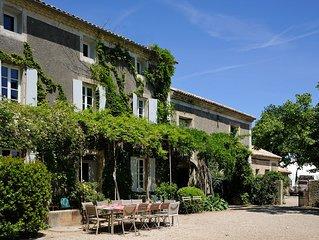 Ancienne Bastide rénovée au cœur des vignes dans le Domaine viticole de l'Odylée