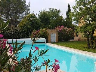 Grande maison conviviale en Provence,  oasis de verdure