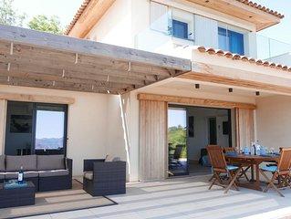 Villa d'architecte neuve avec panorama d'exception sur Golfe de Porto, Scandola