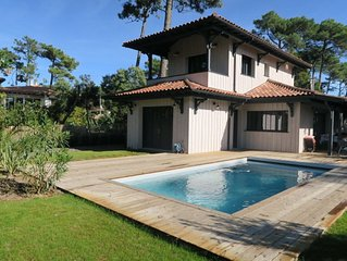 Jolie Villa neuve avec piscine chauffee en plein centre du Cap Ferret