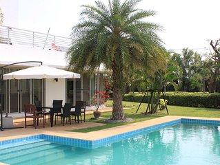 Villa avec Piscine au sein du domaine Palm Hills Golf .