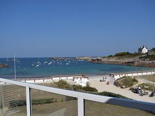 Appartement sur la plage de la Greve Blanche vue prodigieuse sur la mer a Tregas