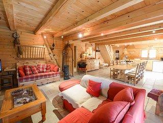 joli chalet , tout equipe, sauna, 5 chambres, tres spacieux, jardin,