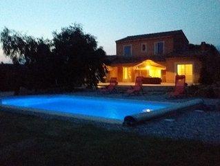 Belle villa avec sa piscine privée au pied du Mont Ventoux  à Malaucène