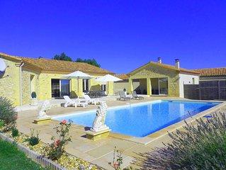 Maison recente de style contemporain a la campagne avec piscine ..