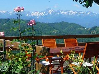 Gîte / Maison de montagne : vue panoramique sur la chaîne des Pyrénées en Ariège