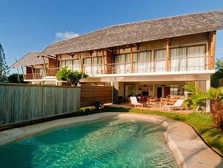Pieds dans l'eau! Charmante et authentique Villa à Calodyne
