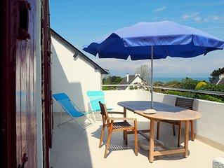 Appartement très calme, terrasse vue sur baie, ensemble confortable, bien équipé