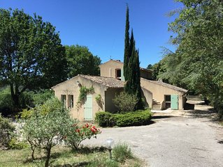Maison de Charme, vue exceptionnelle, piscine, oliveraie.