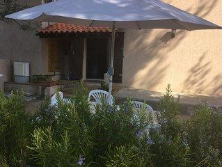 Charmant petit appartement RDC villa avec coin jardin