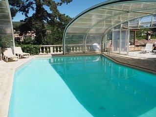 Superbe maison de caractere, grand terrain clos, piscine et spa dans le Luberon