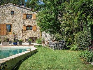 Belle maison en pierre à Orsan, Gard, piscine privée, animaux admis