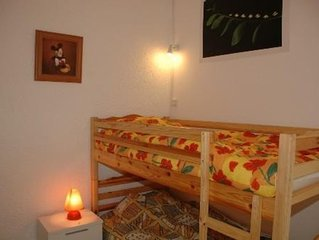 Maison mitoyenne 6 couchages climatisée à100m de la plage et,commerce
