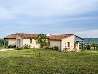 Villa avec vue sur la vallee de la Dordogne et le chateau des Milandes
