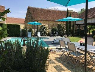 Spacieuse maison de caractère unique avec piscine privative.