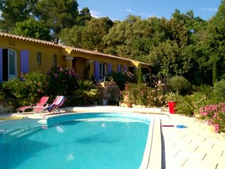 Maison avec piscine vue dominante, haut var ( Barjols) 7 personnes
