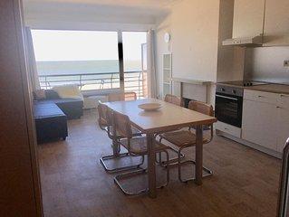 Appartement vue mer avec balcon, 6 personnes, superbe emplacement central.