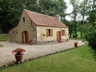 Ravissante maison ancienne pour deux personnes au coeur de la forêt