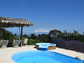 Spacieuse villa avec vue mer imprenable en plein cœur de la forêt