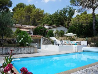 Last Minute promotion for July! Very charming villa with pool