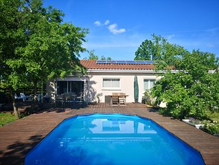 Jolie villa avec piscine privee