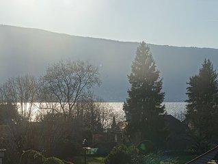 Maison Menthon-Saint-Bernard à 200m du lac et des commerces Lac d'Annecy