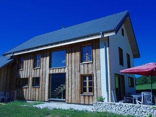 Grande et lumineuse maison de famille à la montagne