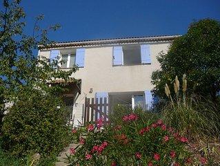 Maison climatisée avec piscine,proche de Hyères,6 personnes, 4 chambres