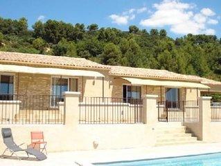 Maison en pays d' Aix en Provence avec piscine