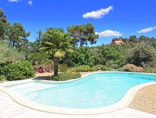 A  Roussillon, belle villa/maison, spacieuse et de standing avec piscine