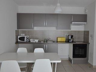 Appartement pour 2 avec balcon à 20 min des plages