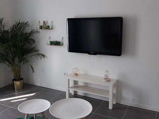 Joli studio de vacances neuf de 33 m² avec terrasse situé à 10 mn de la mer.