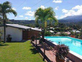 Petite maison piscine très belle  vue montagne 2 chambres