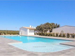 Jolie villa 4-6 pers, piscine commune chauffee a Bonifacio