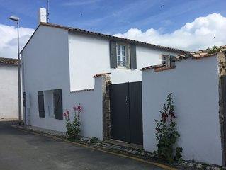 maison de village avec jardin et préau à La Couarde sur mer