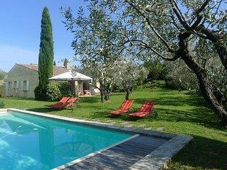 Maison de charme jardin dans le village de  Mirabel aux Baronnies  Provence