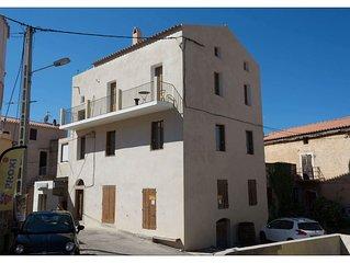 3 pieces dans maison de village  Calenzana Corse 2 chambres ,1 SDB  4 personnes