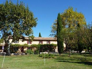 Partie centrale d'un Mas Provençal dans la campagne aixoise