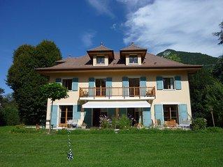 Belle maison spacieuse, tout confort, grand jardin clos, proche lac et village.