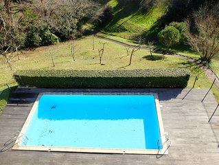 Appartement vue mer, climatise avec grande terrasse, au calme.Piscine, parking
